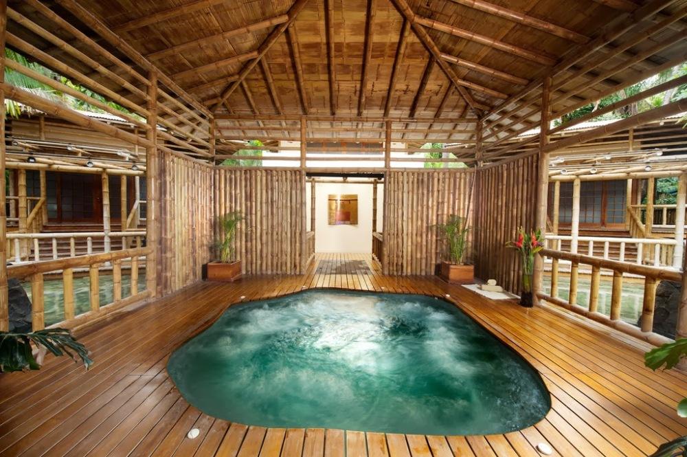 design model rumah bambu ruangan dalam